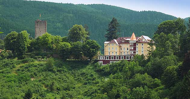 Holidays in the castle hotel in the Black Forest, holiday between Offenburg, Freudenstadt, Villingen-Schwenningen and Freiburg im Breisgau